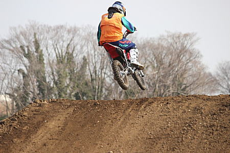 CRF125F-FI EnjoyOFFROAD BOSS1.jpg